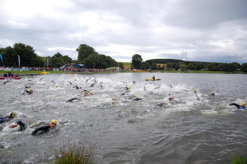 Robyn Peel swimming